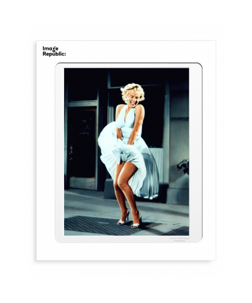"La Galerie ""Marilyn Robe""..."